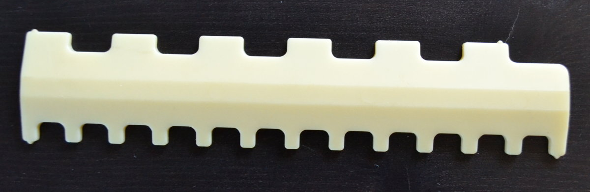 Selector comb for a 5th class knitting machine 2/1-3/3